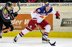 18.09.2015, Messestadion, Dornbirn, AUT, EBEL, Dornbirner Eishockey Club vs EC Red Bull Salzburg, 3. Runde, im Bild v.l.: Matt Siddall (Dornbirner Eishockey Club), Brain Connelly (EC Red Bull Salzburg) // during the Erste Bank Icehockey League 3rd round match between Dornbirner Eishockey Club vs EC Red Bull Salzburg at the Messestadion in Dornbirn, Austria on 2015/09/18. EXPA Pictures © 2015, PhotoCredit: EXPA/ Peter Rinderer