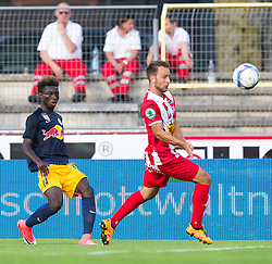 21.07.2017, Franz Fekete Stadion, Kapfenberg, AUT, 2. FBL, KSV 1919 vs FC Liefering , 1. Runde, im Bild Gideon Mensah (FC Liefering), Tobias Kainz (KSV 1919) // during the Austrian Erste Liga Match, 1th Round, between KSV 1919 and FC Liefering at the Franz Fekete Stadium, Kapfenberg, Austria on 2017/07/21, EXPA Pictures © 2017, PhotoCredit: EXPA/ Dominik Angerer