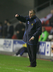 WIGAN, ENGLAND - TUESDAY, JANUARY 31st, 2006: Wigan Athletic's manager Paul Jewell during the Premiership match against Everton at the JJB Stadium. (Pic by Chris Brunskill/Propaganda)