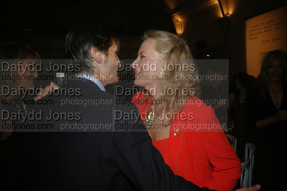 LORD EDWARD  SOMERSET AND PRINCESS MICHAEL OF KENT, Dinner in aid of 'Action Trust For the Blind organised by Matthew Carr. 20th Century Theatre. Westbourne Gro. London. 26 September 2007. -DO NOT ARCHIVE-© Copyright Photograph by Dafydd Jones. 248 Clapham Rd. London SW9 0PZ. Tel 0207 820 0771. www.dafjones.com.