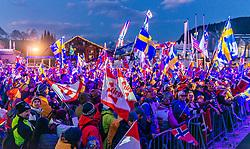 28.02.2019, Seefeld, AUT, FIS Weltmeisterschaften Ski Nordisch, Seefeld 2019, im Bild die Fans bei der Siegerehrung // the fans at the award ceremony during the FIS Nordic Ski World Championships 2019. Seefeld, Austria on 2019/02/28. EXPA Pictures © 2019, PhotoCredit: EXPA/ Stefan Adelsberger