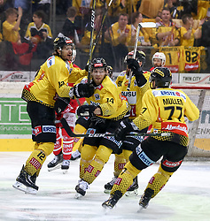 18.04.2019, Albert Schultz Halle, Wien, AUT, EBEL, Vienna Capitals vs EC KAC, Finale, 3. Spiel, im Bild Torjubel Patrick Peter (Vienna Capitals) nach dem 1:0 // during the Erste Bank Icehockey 3rd final match between Vienna Capitals and EC KAC at the Albert Schultz Halle in Wien, Austria on 2019/04/18. EXPA Pictures © 2019, PhotoCredit: EXPA/ Alexander Forst