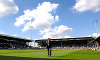 Photo: Daniel Hambury.<br />Fulham v Chelsea. The Barclays Premiership. 23/09/2006.<br />Chelsea's manager Jose Mourinho walks accross the Fulham pitch.