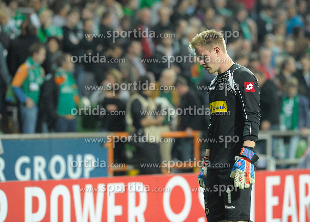 20.10.2012, Weserstadion, Bremen, GER, 1. FBL, Borussia Moenchengladbach, 8. Runde, im Bild Marc-Andre TER STEGEN, Torwart ( Borussia Moenchengladbach ) unzufrieden auf dem Weg in die Halbzeitpause. Freisteller // during the German Bundesliga 8th round match between SV Werder Bremen and Borussia Moenchengladbach at the Weserstadium, Bremen, Germany on 2012/10/20. EXPA Pictures © 2012, PhotoCredit: EXPA/ Eibner/ Stefan Schmidbauer..***** ATTENTION - OUT OF GER *****
