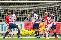 WIJDEWORMER - 03-09-2016, Jong AZ - Excelsior Maassluis, AFAS trainingscomplex, Excelsior Maassluis speler Kevin Vink (l) scoort hier de 2-2, doelpunt.