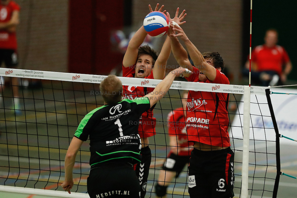 20161029 NED: Eredivisie, Vallei Volleybal Prins - Advisie SSS: Ede<br />Chris Ogink, Peter Ogink, of Vallei Volleybal Prins <br />&copy;2016-FotoHoogendoorn.nl / Pim Waslander