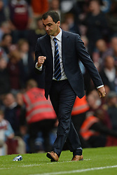 Everton Manager, Roberto Martinez pumps his fist after his team win - Photo mandatory by-line: Mitch Gunn/JMP - Tel: Mobile: 07966 386802 21/09/2013 - SPORT - FOOTBALL - Boleyn Ground - London - West Ham United V Everton - Barclays Premier League