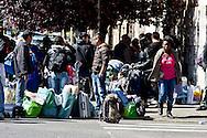 Roma 16 Aprile 2014<br /> Sgomberato palazzo in  via Baldassarre Castiglione alla Montagnola occupato nei giorni scorsi  dai movimenti per il diritto all'abitare da circa  200 persone, la polizia a caricato i manifestanti che protestano per lo sgombero, otto persone sono state ferite. Le famiglie sgomberate rimango per strada<br /> Rome April 16, 2014 <br /> Vacated the building in Via Baldassarre Castiglione,Montagnola district, busy in recent days by the movements for housing rights, by about 200 people, the police charged the demonstrators protesting the eviction, eight people were injured. The evicted families remain on the street