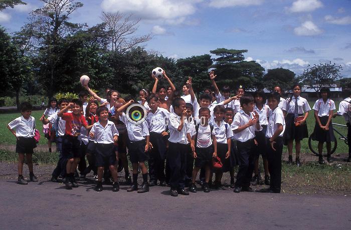 Costa Rica. 08/1997..Criancas./ Children..Foto © Adri Felden/Argosfoto