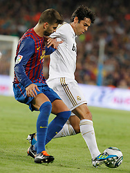 17.08.2011, Camp Nou, Barcelona, ESP, Supercup 2011, FC Barcelona vs Real Madrid, im Bild FC Barcelona's Gerard Pique (l) and Real Madrid's Kaka during Spanish Supercup 2nd match.August 17,2011. EXPA Pictures © 2011, PhotoCredit: EXPA/ Alterphotos/ Acero +++++ ATTENTION - OUT OF SPAIN / ESP +++++