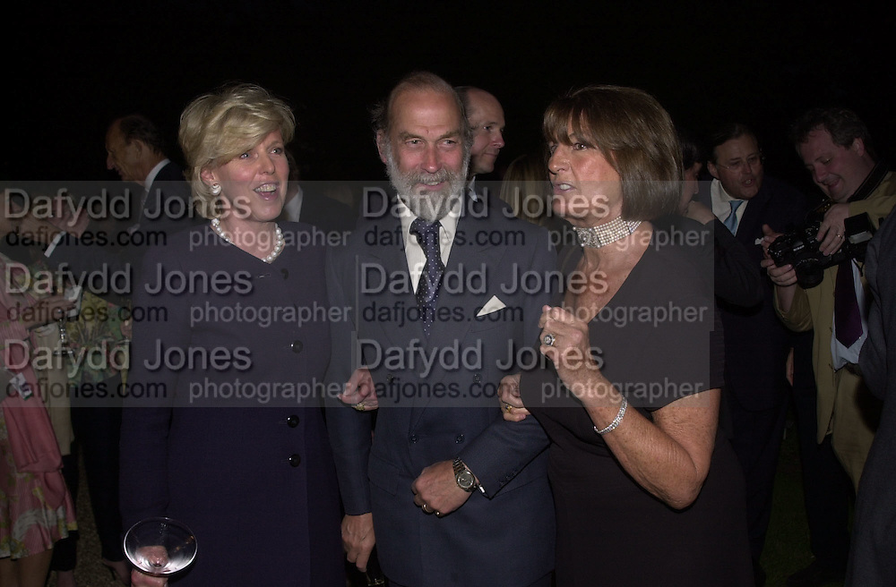 Serena  Balfour, Prince Michael of Kent and Lady Annabel Goldsmith. Cartier dinner. Chelsea Physic Garden. 20 May 2002. © Copyright Photograph by Dafydd Jones 66 Stockwell Park Rd. London SW9 0DA Tel 020 7733 0108 www.dafjones.com