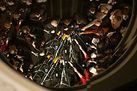 15 DEC 2003, BERLIN/GERMANY:<br /> Edmund Stoiber, CSU, Ministerpraesident Bayern, Angela Merkel, CDU Bundesvorsitzende, und Guido Westerwelle, FDP Bundesvorsizender, (v.L.n.R.), spiegeln sich in einem runden Spiegel an der Decke der Wandelhalle, waehrend der Pressekonferenz zu den Ergebnissen der Sitzung des Vermittlungsausschusses, Bundesrat<br /> IMAGE: 20031215-01-020<br /> KEYWORDS: Pressestatement, Mikrofon, microphone, Journalist, Journalisten