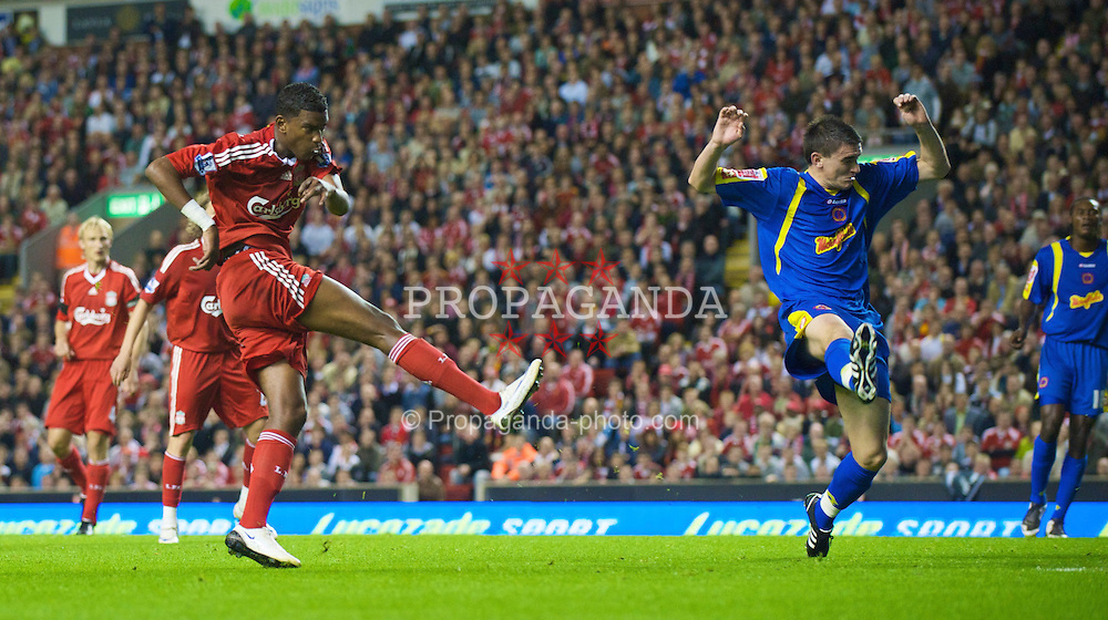 LIVERPOOL, ENGLAND - Tuesday, September 23, 2008: Liverpool's Damien Plessis in action against Crewe Alexandra during the League Cup 3rd round match at Anfield. (Photo by David Rawcliffe/Propaganda)
