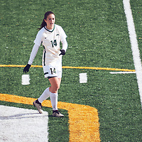 4th year forward, Alex Ensign (14) of the Regina Cougars during the Women's Soccer home game on Sun Oct 07 at U of R Field. Credit: Arthur Ward/Arthur Images