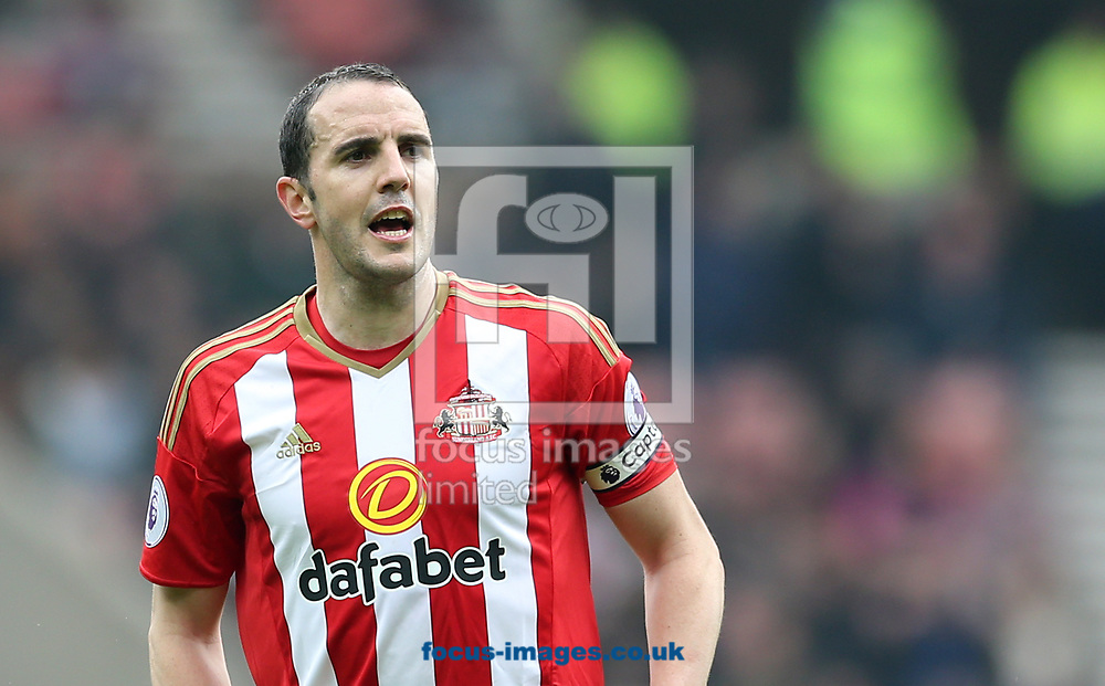 John O'Shea of Sunderland during the Premier League match at the Stadium Of Light, Sunderland<br /> Picture by Simon Moore/Focus Images Ltd 07807 671782<br /> 29/04/2017