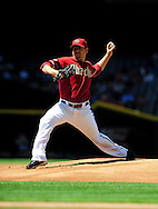 Apr. 10 2011; Phoenix, AZ, USA; Arizona Diamondbacks starting pitcher Joe Saunders (34) pitches during the first inning against the Cincinnati Reds at Chase Field. Mandatory Credit: Jennifer Stewart-US PRESSWIRE.