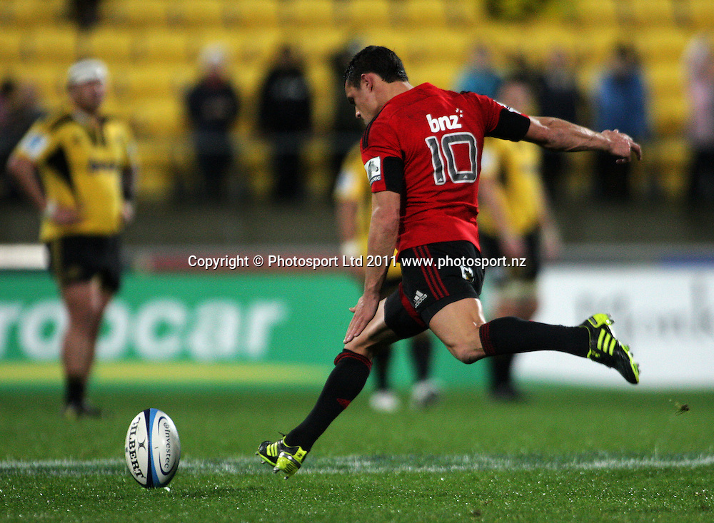 Dan Carter takes a penalty attempt. Super 15 rugby match - Crusaders v Hurricanes at Westpac Stadium, Wellington, New Zealand on Saturday, 18 June 2011. Photo: Dave Lintott / photosport.co.nz