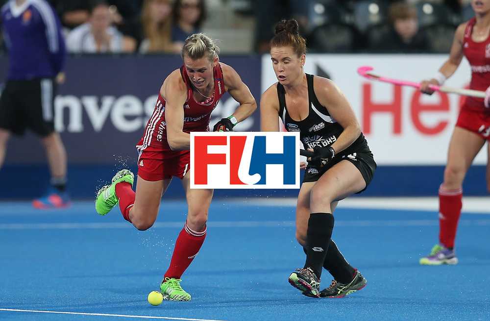 LONDON, ENGLAND - JUNE 21: Alex Danson of Great Britain and Ella Gunson of New Zealand during the FIH Women's Hockey Champions Trophy match between New Zealand and Great Britain at Queen Elizabeth Olympic Park on June 21, 2016 in London, England.  (Photo by Alex Morton/Getty Images)