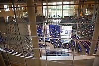 DEU, Deutschland, Germany, Berlin, 30.06.2020: Fraktionssitzung der SPD-Bundestagsfraktion im Plenarsaal des Deutschen Bundestags. Aufgrund der aktuellen Corona-Pandemie tagt die Fraktion im Plenarsaal.
