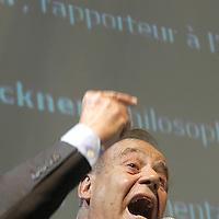 TP00851 / Debat Hebdo,Salon du Livre,Jean Ziegler<br /> Geneve, Avril 2003.<br /> &copy;Thierry Parel/Rezo