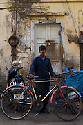 Young mechanic - Bombay/Mumbai - India