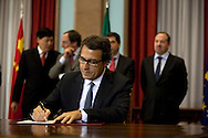 Ant&oacute;nio Mexia.<br /> The president of China Three Gorges electric company, Cao Guangjing; the chairman of the board of Parp&uacute;blica, Joaquim Reis, and Ant&oacute;nio Mexia, chairman of the Board of EDP signed an agreement that gives the first formal step for the acquisition of a state share of 21.35% in the EDP, the portuguese electric company.