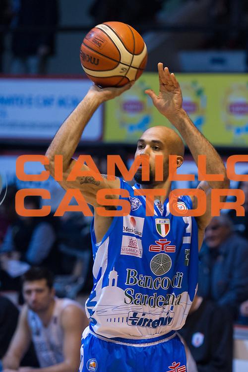 DESCRIZIONE : Caserta Lega A 2015-16 Pasta Reggia Caserta Banco di Sardegna Sassari<br /> GIOCATORE : David Logan<br /> CATEGORIA : tiro<br /> SQUADRA : Banco di Sardegna Sassari<br /> EVENTO : Campionato Lega A 2015-2016<br /> GARA : Pasta Reggia Caserta Banco di Sardegna Sassari<br /> DATA : 13/12/2015<br /> SPORT : Pallacanestro <br /> AUTORE : Agenzia Ciamillo-Castoria/G.Masi<br /> Galleria : Lega Basket A 2015-2016<br /> Fotonotizia : Caserta Lega A 2015-16 Pasta Reggia Caserta Banco di Sardegna Sassari