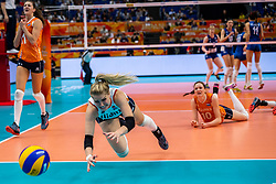 19-10-2018 JPN: Semi Final World Championship Volleyball Women day 18, Yokohama<br /> Serbia - Netherlands / Kirsten Knip #1 of Netherlands