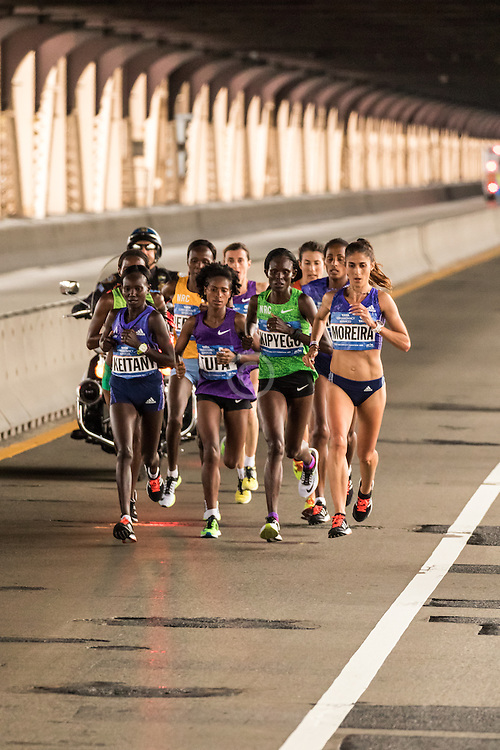 elite women leaad pack on Queensboro Bridge at mile 15