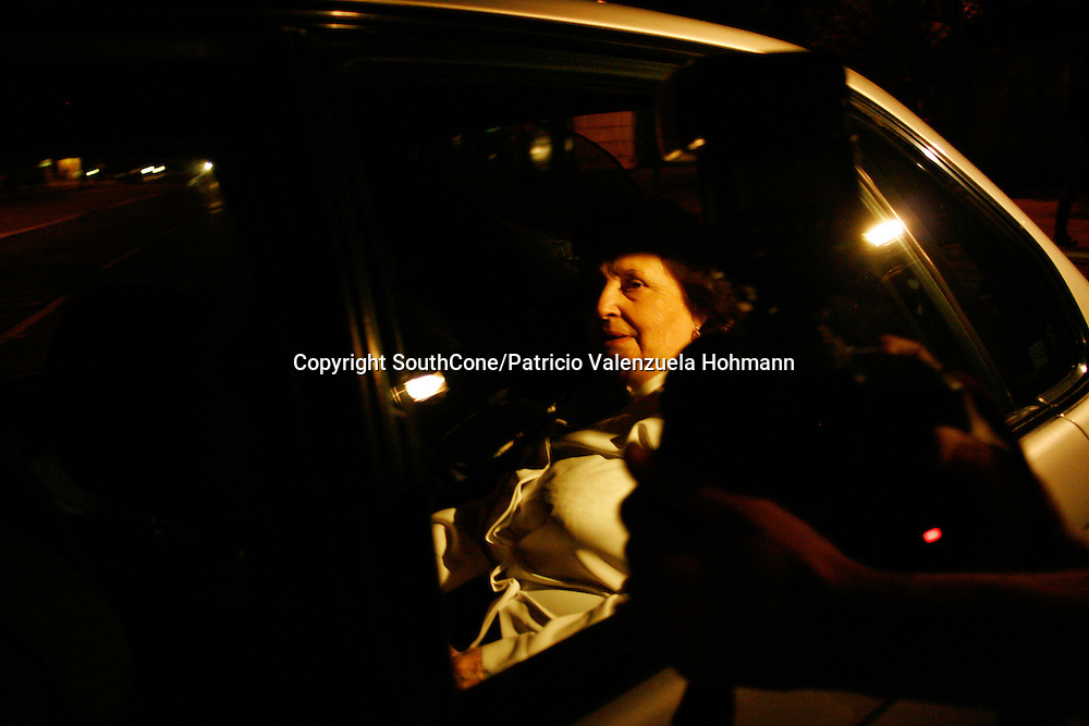 The dictator's wife, Lucia Hiriart leaves the hospital.<br /> December 2006, The Chilean Dictator Augusto Pinochet died in Santiago Chile. As news spread thousands went out the streets either to celebrate o mourn Pinochet who lead the 1973 coup that overthrew the democratically elected president Salvador Allende. Pinochet's 17 year regime killed and disappeared around 4.000 people, tortured and exile around 20.000. On 1989 he lost elections and democracy was regained. He died on late December 2006. December 2006, The Chilean Dictator Augusto Pinochet died in Santiago Chile. As news spread thousands went out the streets either to celebrate o mourn Pinochet who lead the 1973 coup that overthrew the democratically elected president Salvador Allende. Pinochet's 17 year December 2006, The Chilean Dictator Augusto Pinochet died in Santiago Chile. As news spread thousands went out the streets either to celebrate o mourn Pinochet who lead the 1973 coup that overthrew the democratically elected president Salvador Allende. Pinochet's 17 year.