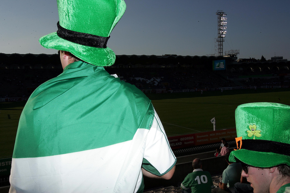 Ireland fans get in the mood. Ireland v Namibia, Stade Chaban-Delmas, Bordeaux, France, 9th September 2007...