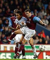 Fotball. Premier League. 09.11.2002.<br /> Aston Villa v Fulham.<br /> Øyvind Leonhardsen, Villa.<br /> Junichi Inamoto, Fulham.<br /> Foto: Javier Garcia, Digitalsport