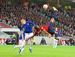 LILLE, FRANCE - Thursday, October 23, 2014: Everton's Tony Hibbert in action against Lille OSC's Ronny Rodelin during the UEFA Europa League Group H match at Stade Pierre-Mauroy. (Pic by David Rawcliffe/Propaganda)
