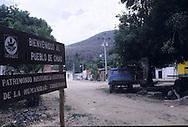 A Chuao, un villaggio nella foresta venezuelana, gli abitatnti sono dediti alla raccolta al cacao migliore al mondo