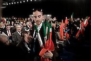 ROMA. VOLONTARI DEL POPOLO DELLA LIBERTA' DISTRIBUISCONO BANDIERE TRICOLORE AI DELEGATI PRESENTI AL PRIMO CONGRESSO NAZIONALE DEL POPOLO DELLA LIBERTA'