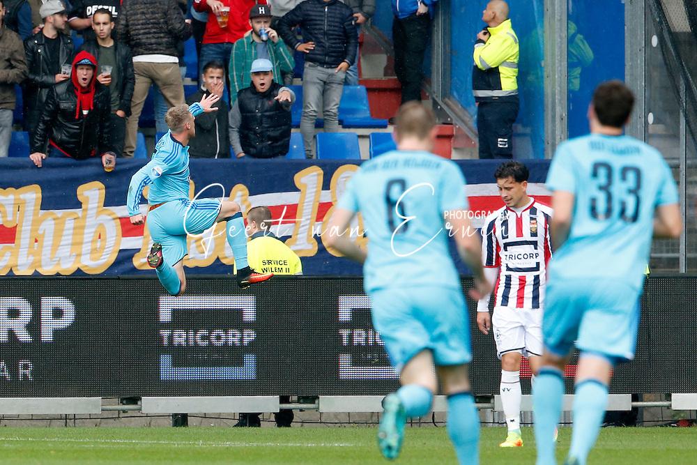 02-10-2016 VOETBAL:WILLEM II - FEYENOORD:TILBURG<br /> Nicolai Jorgenson van Feyenoord viert zijn doelpunt<br /> <br /> <br /> Foto: Geert van Erven