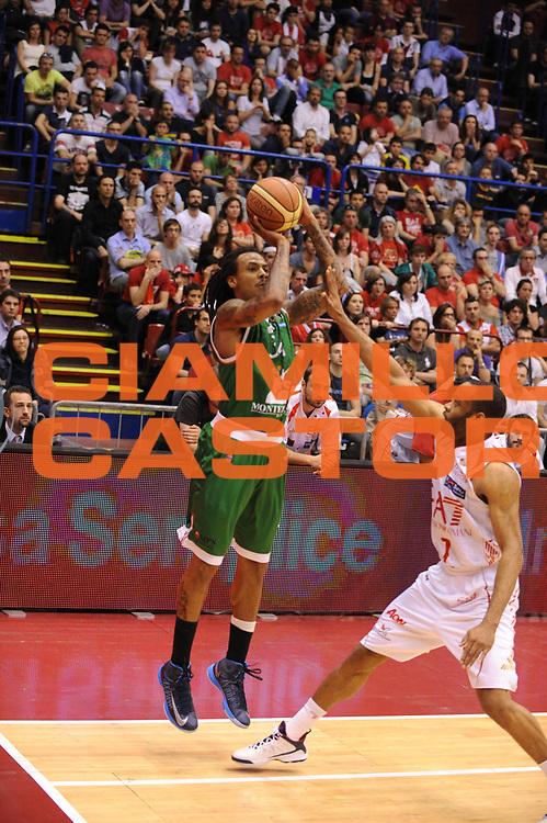 DESCRIZIONE : Milano Lega A 2012-13 Play Off Quarti di Finale Gara2 EA7 Olimpia Armani Milano Montepaschi Siena<br /> GIOCATORE : David Moss<br /> CATEGORIA : tiro<br /> SQUADRA : EA7 Olimpia Armani Milano Montepaschi Siena<br /> EVENTO : Campionato Lega A 2012-2013 Play Off Quarti di Finale Gara2<br /> GARA : EA7 Olimpia Armani Milano Montepaschi Siena<br /> DATA : 12/05/2013<br /> SPORT : Pallacanestro<br /> AUTORE : Agenzia Ciamillo-Castoria/M.Marchi<br /> Galleria : Lega Basket A 2012-2013<br /> Fotonotizia : Milano Lega A 2012-13 EA7 Olimpia Armani Milano Montepaschi Siena<br /> Predefinita :