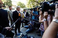 29 AUG 2005, BERLIN/GERMANY:<br /> Joschka Fischer, B90/Gruene, Bundesaussenminister, gibt wartenden Journalisten ein Statement, vor Beginn einer gemeinsamen Sitzung von Bundesvorstand und Parteirat von Buendnis 90 / Die Gruenen, Bundesgeschaeftsstelle<br /> IMAGE: 20050829-01-009<br /> KEYWORDS: Bündnis 90 / Die Grünen, Kamera, Camera, Mikrofon, microphone, Journalist