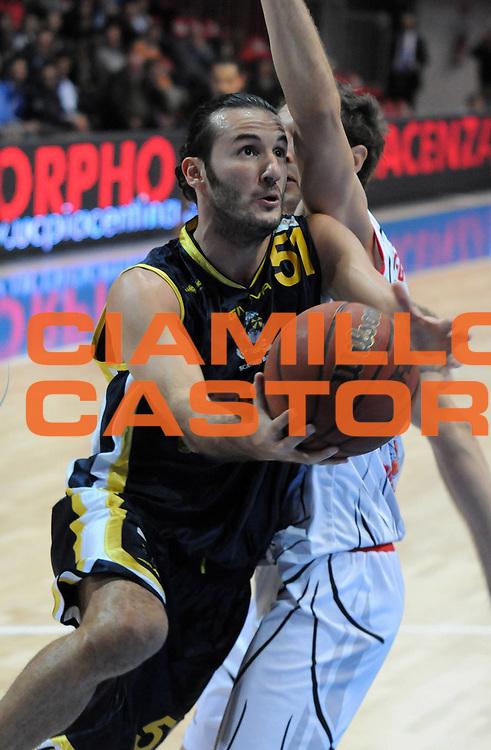 DESCRIZIONE : Piacenza Campionato Lega Basket A2 2011-12 Morpho Basket Piacenza Givova Scafati<br /> GIOCATORE : Gennaro Sorrentino<br /> SQUADRA : Givova Scafati<br /> EVENTO : Campionato Lega Basket A2 2011-2012<br /> GARA : Morpho Basket Piacenza Givova Scafati<br /> DATA : 30/10/2011<br /> CATEGORIA : Tiro<br /> SPORT : Pallacanestro <br /> AUTORE : Agenzia Ciamillo-Castoria/L.Lussoso<br /> Galleria : Lega Basket A2 2011-2012 <br /> Fotonotizia : Piacenza Campionato Lega Basket A2 2011-12 Morpho Basket Piacenza Givova Scafati<br /> Predefinita :