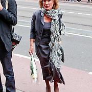 NLD/Amsterdam/20110722 - Afscheidsdienst voor John Kraaijkamp, Annemarie Oster