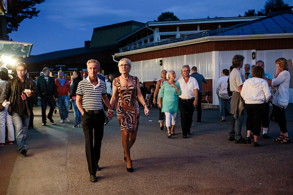 The dancing festival goes on for 8 consecutive nights with nearly 100 different artists on stage.<br />