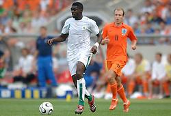 16-06-2006 VOETBAL: FIFA WORLD CUP: NEDERLAND - IVOORKUST: STUTTGART <br /> Oranje won in Stuttgart ook de tweede groepswedstrijd. Nederland versloeg Ivoorkust met 2-1 / Kolo Toure <br /> ©2006-WWW.FOTOHOOGENDOORN.NL
