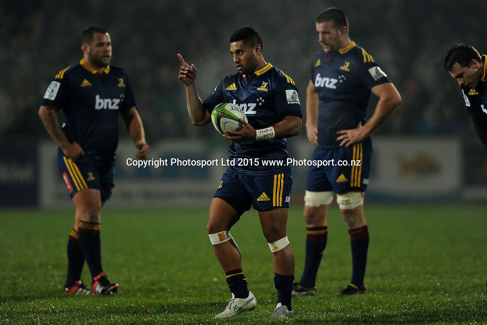 Lima Sopoaga of the Highlanders indicates he wants a shot at goal, during the Super Rugby Match between the Highlanders and the Chiefs, held at Rugby Park, Invercargill, New Zealand, 30th May 2015. Credit: Joe Allison / www.Photosport.co.nz