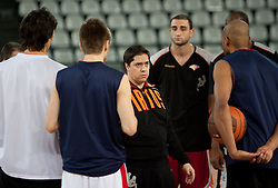 Head coach Saso Filipovski with his players during practice session of basketball club Lottomatica Roma day before Euroleague Top 16 Round Match vs KK Union Olimpija Ljubljana, on January 19, 2011 in Arena PalaLottomatica, Rome, Italy. (Photo By Vid Ponikvar / Sportida.com)