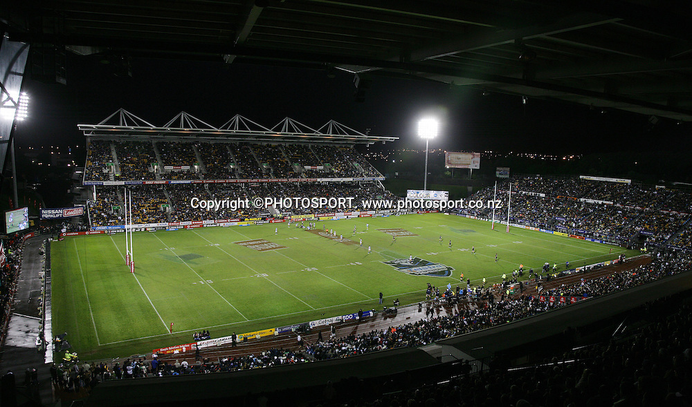 General view. NRL rugby league match. Vodafone Warriors v Gold Coast Titans, Saturday 11 August 2007. Photo: Renee McKay/PHOTOSPORT **NO COMMERCIAL USE**