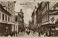 Zagreb : Ilica. <br /> <br /> ImpresumZagreb : Naklada S. Marković, 1926.<br /> Materijalni opis1 razglednica : tisak ; 13,7 x 8,8 cm.<br /> NakladnikNaklada S. Marković<br /> Mjesto izdavanjaZagreb<br /> Vrstavizualna građa • razglednice<br /> ZbirkaZbirka razglednica • Grafička zbirka NSK<br /> Formatimage/jpeg<br /> SignaturaRGZ-ILIC-37<br /> Obuhvat(vremenski)20. stoljeće<br /> PravaJavno dobro<br /> Identifikatori000945971<br /> NBN.HRNBN: urn:nbn:hr:238:893798 <br /> <br /> Izvor: Digitalne zbirke Nacionalne i sveučilišne knjižnice u Zagrebu