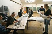 Nederland, Ubbergen, 15-3-2017 Stemmen worden geteld voor de verkiezingen voor de tweede kamer der staten generaal, en indirect voor de eerste kamer. Netherlands, elections. Dit stembureau staat in een dorpshuis. Stembureau, stemburo in een buurthuis. Netherlands, elections voting . Polling station Foto: Flip Franssen