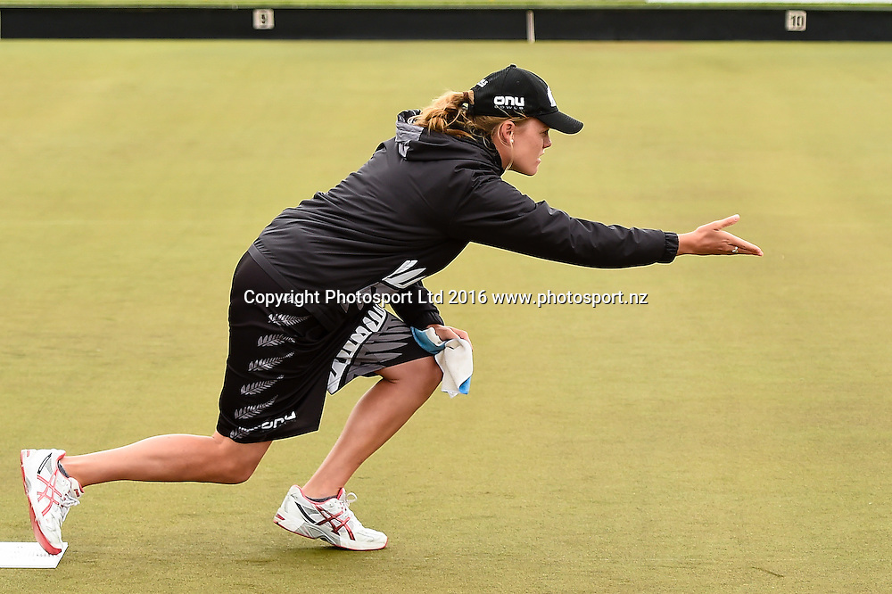 Katelyn Inch (NZL) during the World Bowls Championships, Christchurch, New Zealand, 1st December 2016. © Copyright Photo: John Davidson / www.photosport.nz
