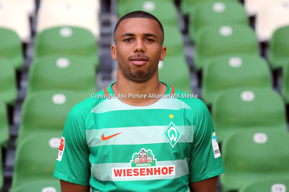 German Bundesliga - Season 2016/17 - Photocall Werder Bremen on 20 July 2016 in Bremen, Germany: Leon Guwara. Photo: Focke Strangmann/dpa | usage worldwide