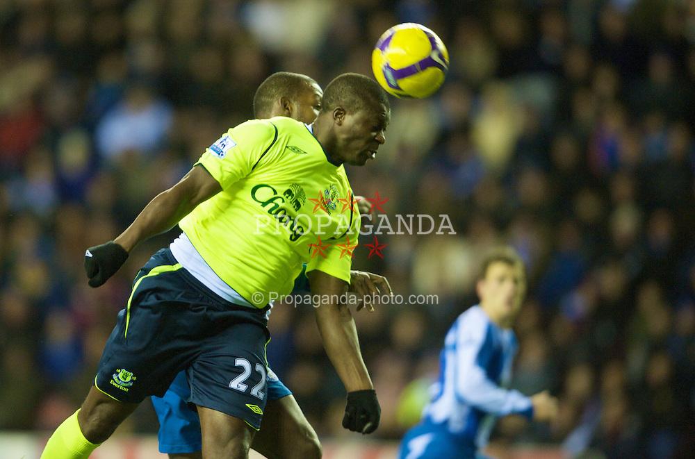 WIGAN, ENGLAND - Monday, November 24, 2008: Everton's Ayegbeni Yakubu in action against Wigan Athletic during the Premiership match at the JJB Stadium. (Photo by David Rawcliffe/Propaganda)